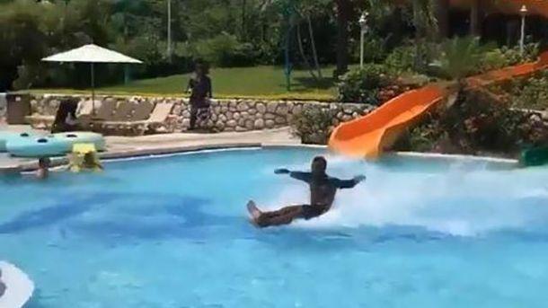 Хлопець в аквапарку Ямайки порушив всі закони фізики