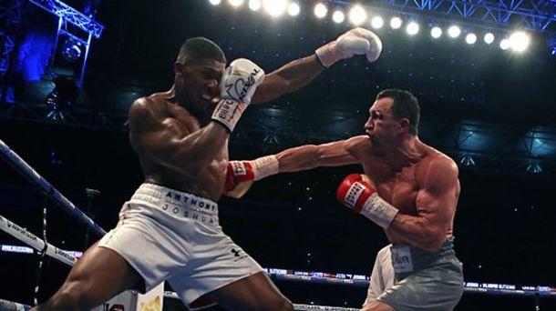 Бой Кличко против Джошуа завершился победой британца