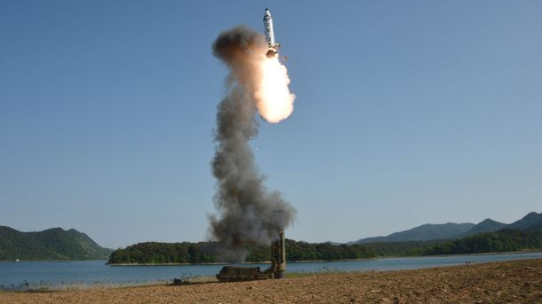 КНДР вкотре лякає світ запуском ракет