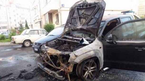 Авто нардепа спалили у Луцьку