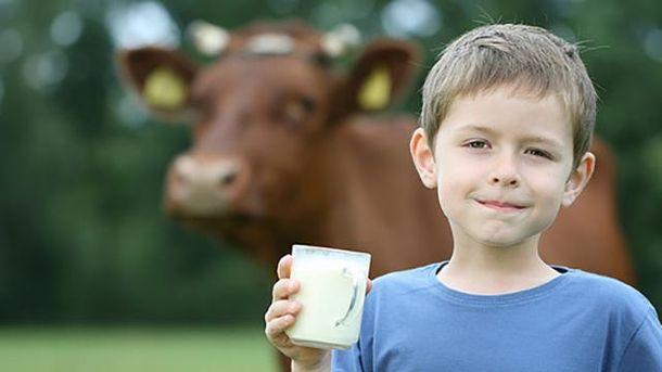 Коров'яче молоко позитивно впливає на дітей