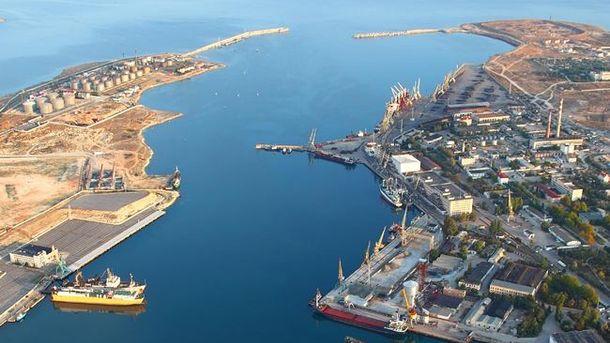В оккупированном Севастополе из-за подрыва бомбы остановили судоходное движение