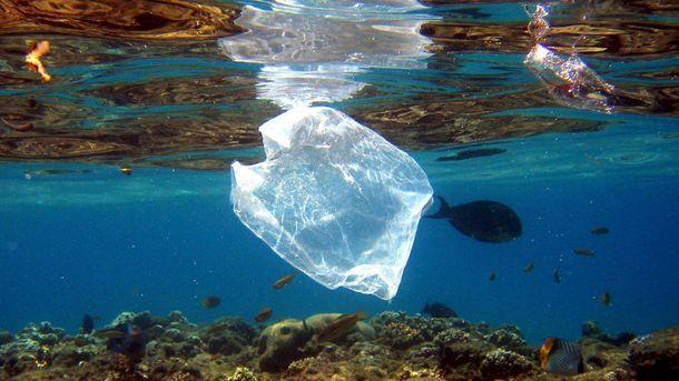 Известный бренд одежды создаст одежду из переработанного океанического мусора