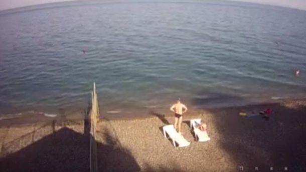 Порожні пляжі Криму