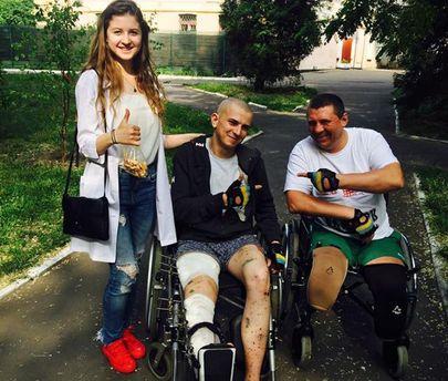 Раненые бойцы АТО в военном госпитале Киева