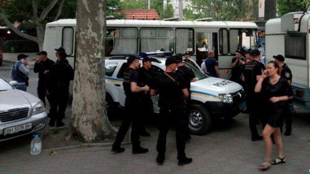 Правоохранители перед началом концерта Ирины Билык в Одессе