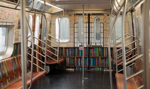 В Нью-Йорке появилась бесплатная библиотека в метро