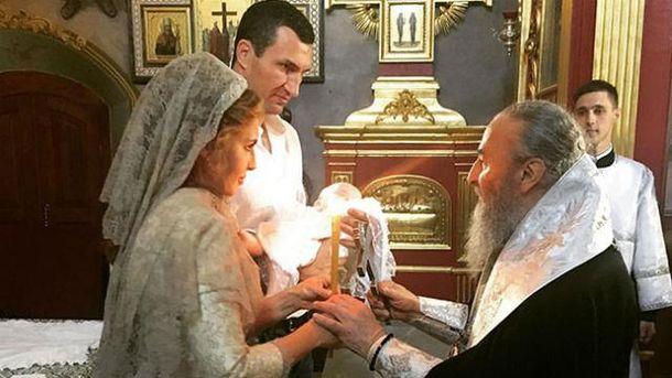 ЗМІ: Володимир Кличко і Оксана Марченко стали хрещеними батьками дочки Шуфрича