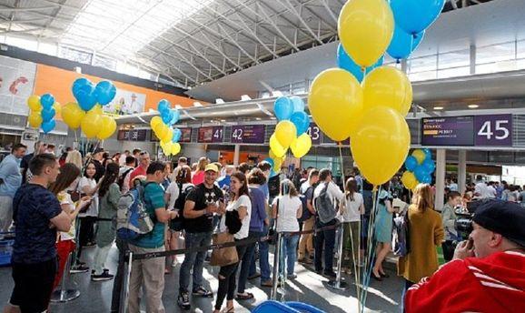 Українці зможуть подорожувати до країн зони