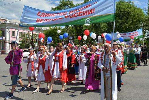 День Росії: окупанти зганяють на святкування жителів Сімферополя