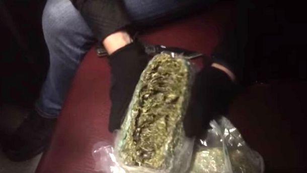 В Росію постачали елітну марихуану з України