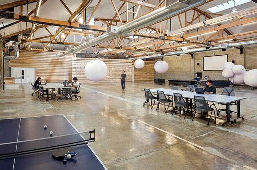 Кабинет WordPress вСан-Франциско закрылся, так как работники закончили внего ходить