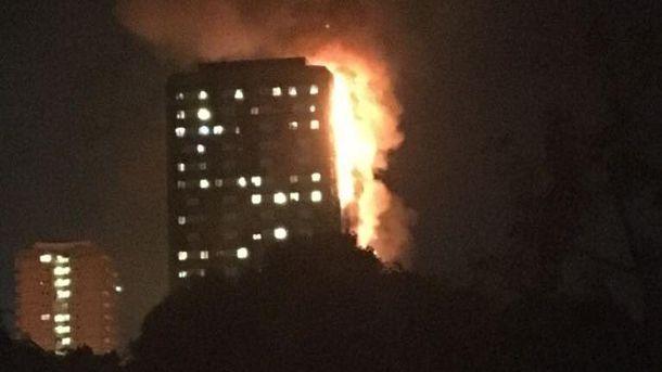 Масштабна пожежа вЛондоні: будинок палає вже 10 годин