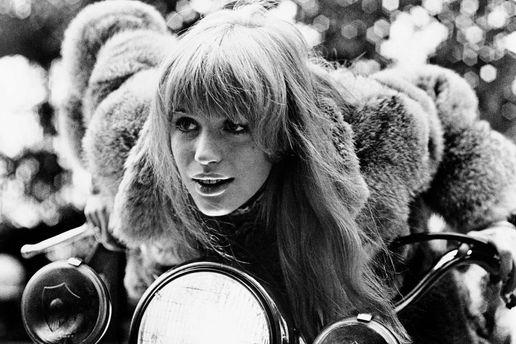 Померла модель, відома романами із кількома учасниками Rolling Stones