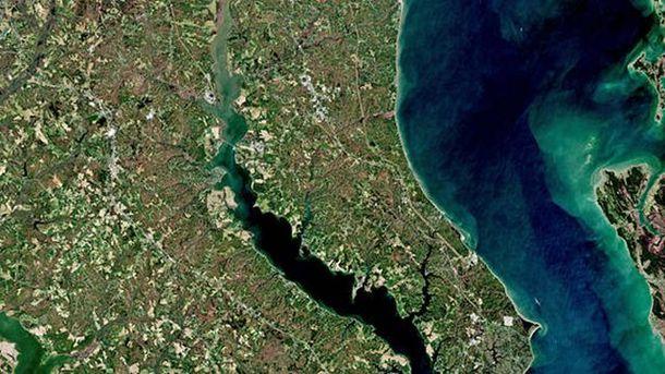 В NASA засекли таинственные бирюзовые образования в Черном море
