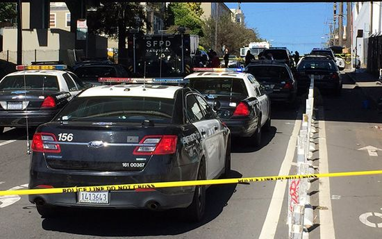 В Сан-Франциско мужчина открыл стрельбу возле отделения почты