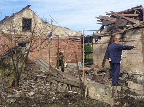 Разрушенные боевиками дома в Марьинке
