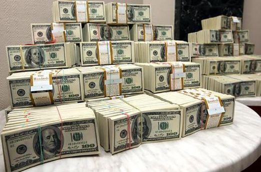 ВУкраину возвращено более $500 тысяч, выведенных вовремена Януковича,— Луценко