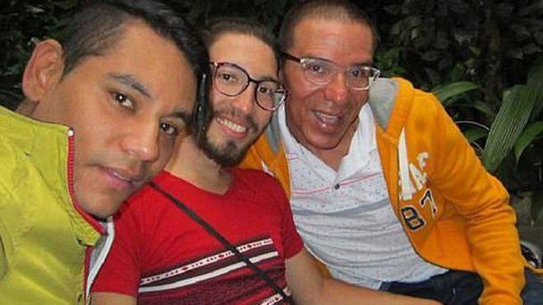 В Колумбії зареєстрували перший шлюб в світі, в якому одружились троє чоловіків