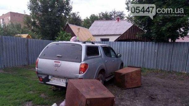 ВКонотопе нетрезвый депутат устроил стрельбу полюдям