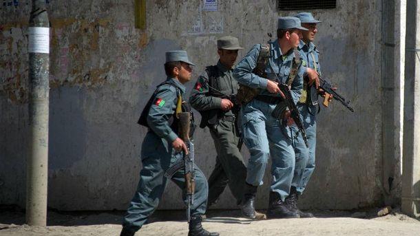 ВАфганістані п'ятеро смертників напали на відділення поліції