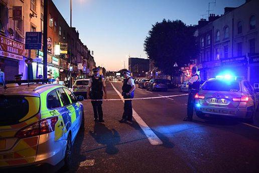 В результате наезда фургона на людей в Лондоне есть погибшие