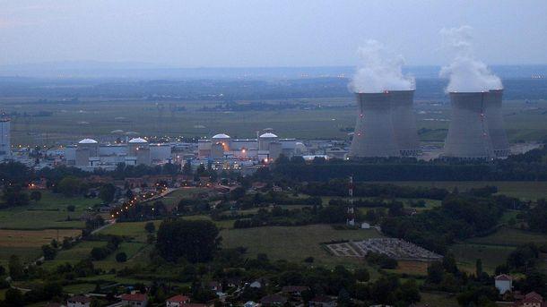 Ядерний реактор АЕС загорівся у Франції