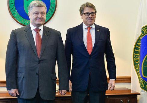 Порошенко зустрівся з міністром енергетики США Ріком Перрі