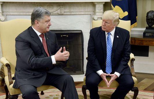 Политолог объяснил, почему Порошенко не привезет из США