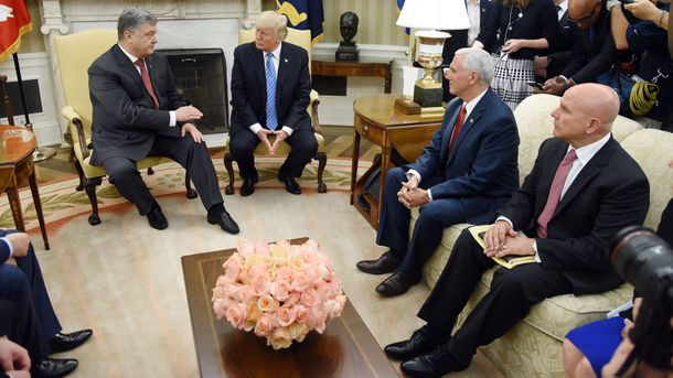 Посол обнародовал некоторые детали встречи Порошенко и Трампа