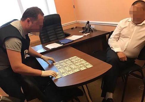 Бурштинова лихоманка: депутат намагався підкупити керівництво поліції наЖитомирщині
