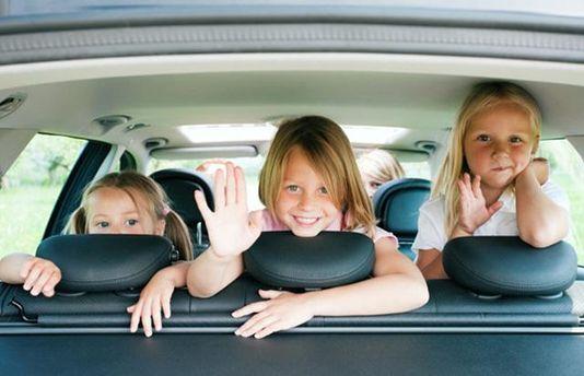 Як врятуватись від спеки у зачиненій машині: хлопчик придумав гаджет