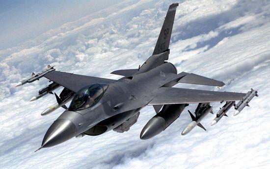 Винищувач НАТО наблизився до літака РФ