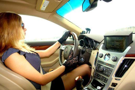 Женщина за рулем – агрессивная
