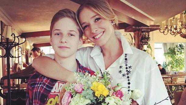 Катя Осадчая опубликовала трогательное фото со взрослым сыном