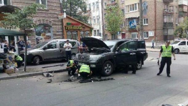 У Києві підірвали автомобіль