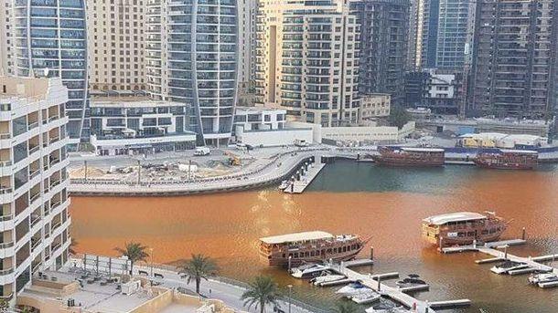 Вода стала оранжевой в городе Дубай
