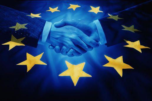 Порошенко: Ратификация Соглашения обассоциации сЕС закончится  всередине лета
