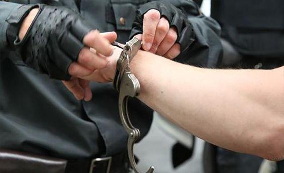 В Києві поліція затримала чоловіка, який ножем поранив військовослужбовця