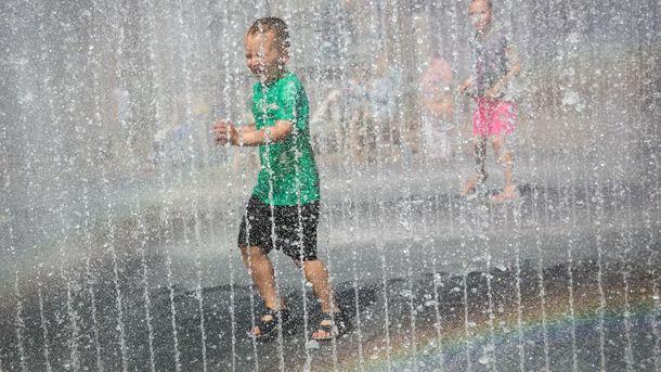 Прогноз погоды в Украине на 28 июня: жарко, но с дождями