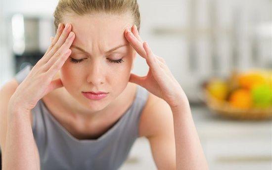 Почему летом болит голова и что с этим делать