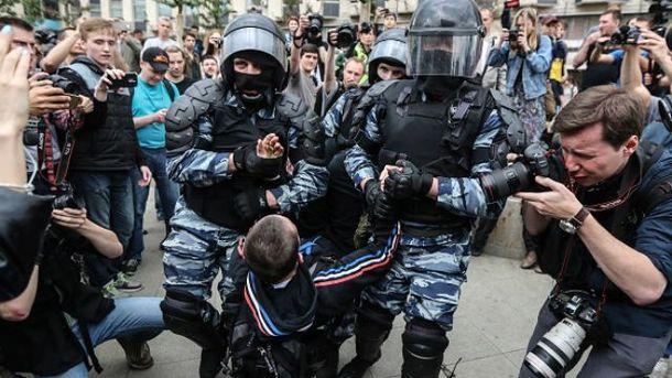Массовые задержания во время антикоррупционных митингов в России