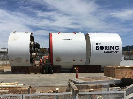 Компания Маска прорыла первый отрезок туннеля