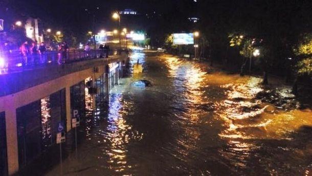 Наводнение в Тбилиси (иллюстрация)