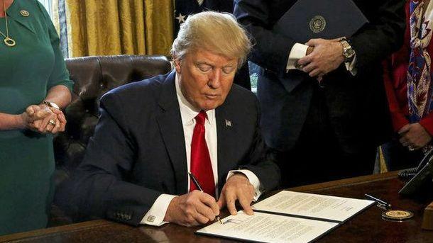 УСША вступив всилу імміграційній указ Трампа