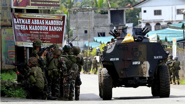 На филиппинский город напали боевики