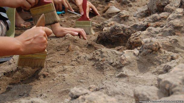 Розкопки археологів