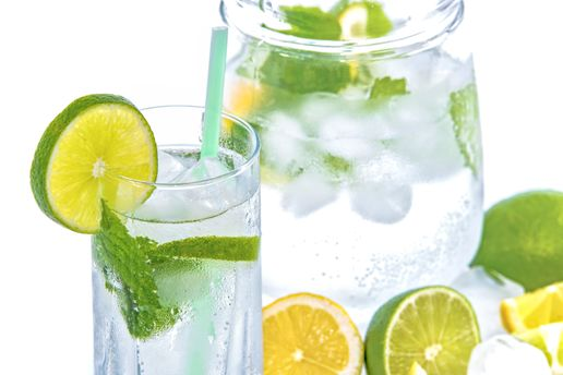 Лимонад прекрасно освежает в жару