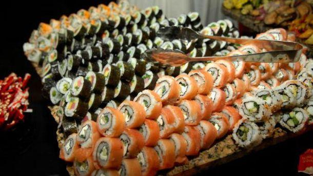 34 человека отравились после посещения суши-бара