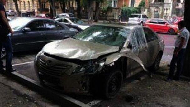 Взорванный автомобиль в Одессе